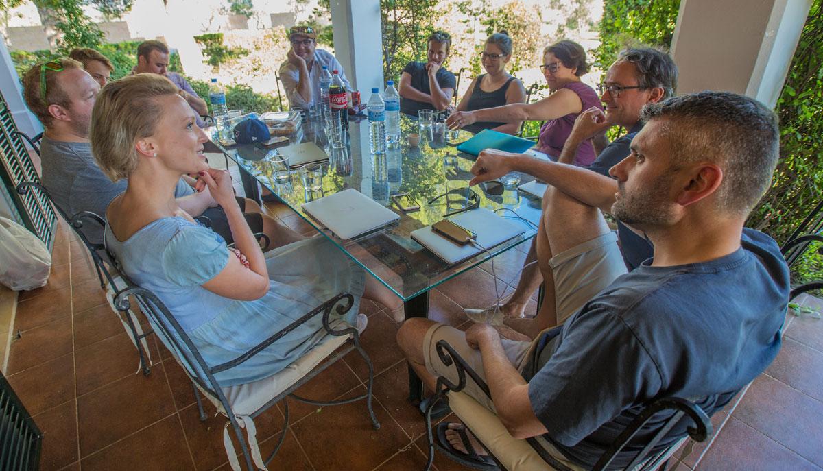 Entspannte Diskussionen im Tourismuszukunft-Team (Foto: Greg Snell)