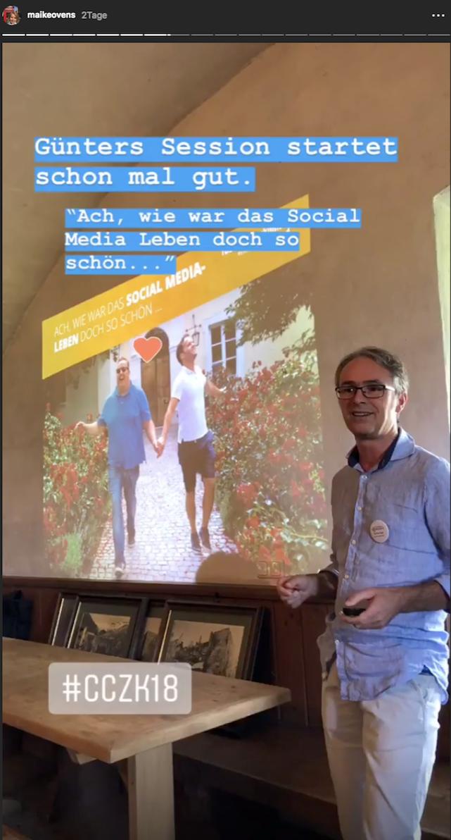 """Günter Exel am Castlecamp 2018, Session """"Kuratierung ist tot - lang lebe Kuratierung"""" © Maike Ovens"""
