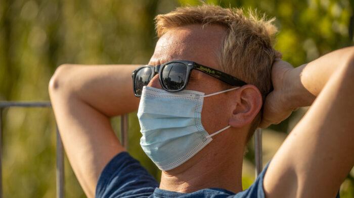 Aktuell selbstverständlich: Mund-Nase-Bedeckung (Foto: Greg Snell)